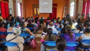 Talleres, pláticas con cine debate sobre prevención del embarazo adolescente, el VIH y las ITS en Pahuatlán y San Pablito